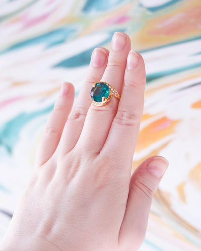 Vintage Aqua and Diamante Crystal Statement Ring Size 6 by 1980s - Vintage Meet Modern Vintage Jewelry - Chicago, Illinois - #oldhollywoodglamour #vintagemeetmodern #designervintage #jewelrybox #antiquejewelry #vintagejewelry
