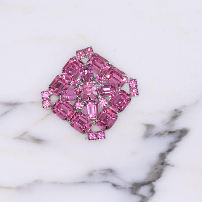 Vintage Weiss Bright Pink Rhinestone Brooch by Weiss - Vintage Meet Modern Vintage Jewelry - Chicago, Illinois - #oldhollywoodglamour #vintagemeetmodern #designervintage #jewelrybox #antiquejewelry #vintagejewelry