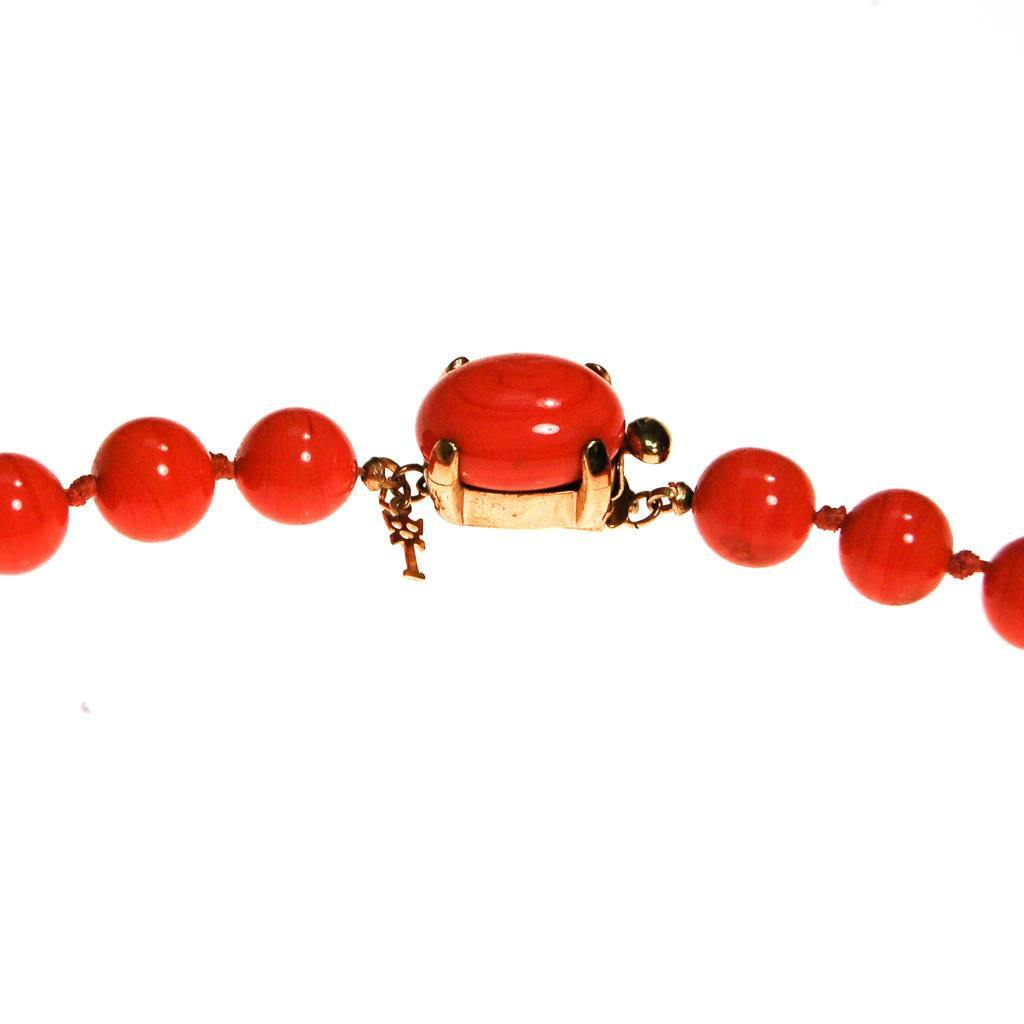 Crown Trifari Coral Glass Bead Necklace