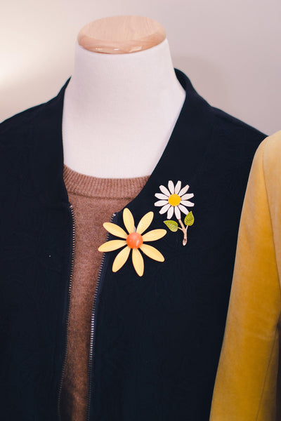 Vintage 1950s Retro Painted Enamel White and Yellow Daisy Brooch by 1950s - Vintage Meet Modern - Chicago, Illinois
