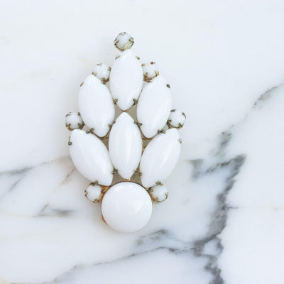 Vintage White Milk Glass Brooch by 1950s - Vintage Meet Modern Vintage Jewelry - Chicago, Illinois - #oldhollywoodglamour #vintagemeetmodern #designervintage #jewelrybox #antiquejewelry #vintagejewelry