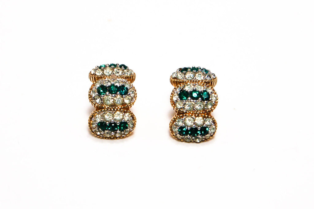 Ciner Emerald Green Brilliant Sparkling Rhinestone Earrings Gold Tone Clip, Earrings - Vintage Meet Modern