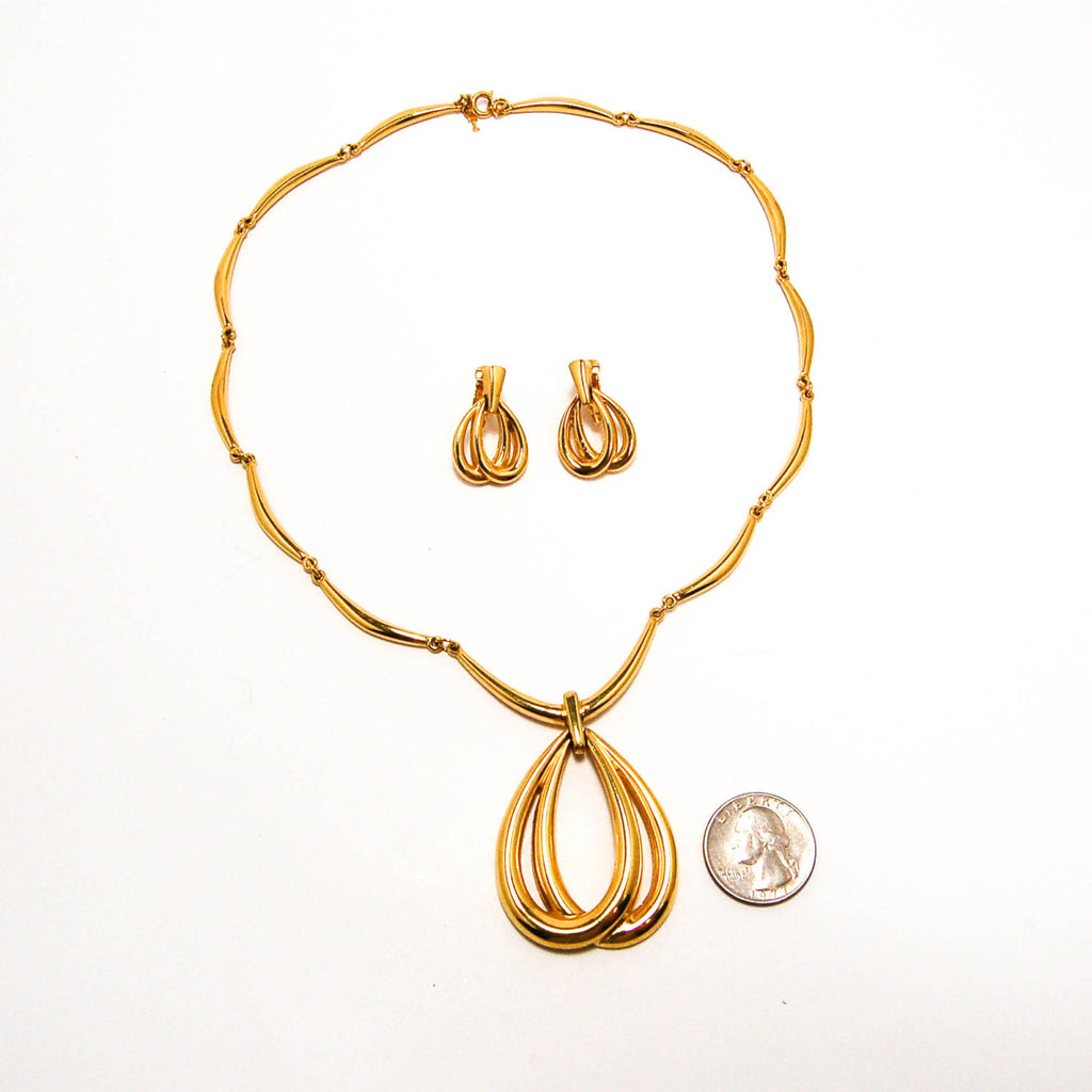 Gold Statement Necklace and Earrings by Crown Trifari - Vintage Meet Modern  - 2