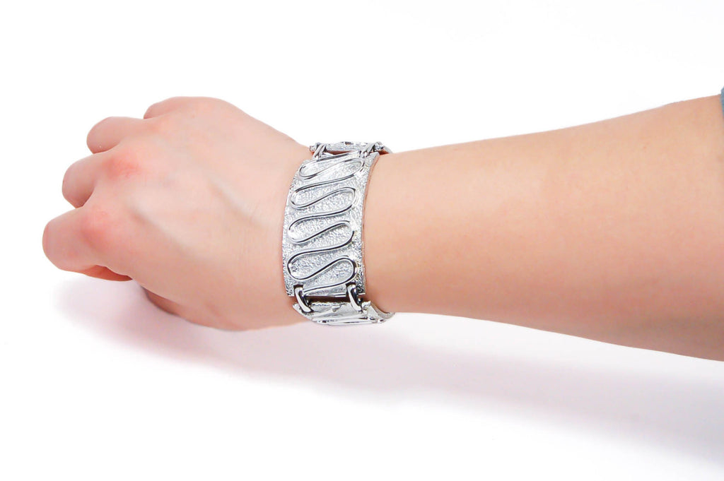 "Silver ""Nile"" Bracelet by Sarah Coventry - Vintage Meet Modern  - 4"