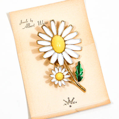 Weiss Daisy Brooch, Vintage Designer Jewelry by Weiss - Vintage Meet Modern Vintage Jewelry - Chicago, Illinois - #oldhollywoodglamour #vintagemeetmodern #designervintage #jewelrybox #antiquejewelry #vintagejewelry