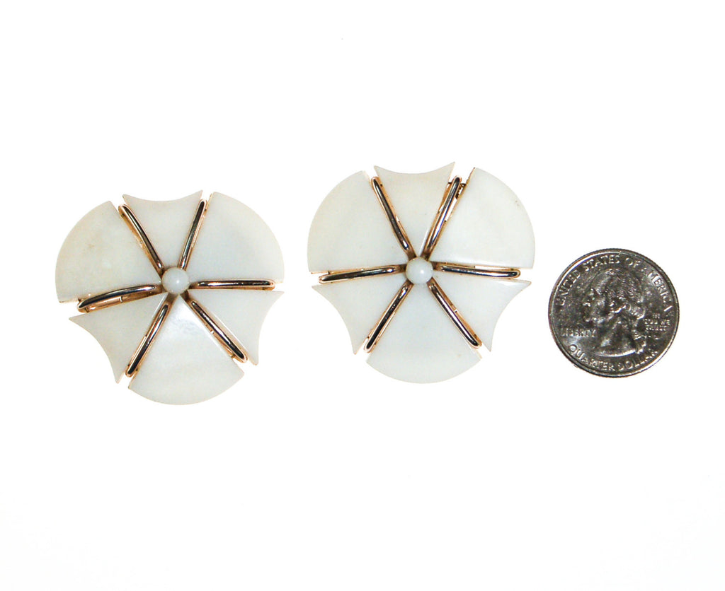 Mod White Thermoset Statement Earrings - Vintage Meet Modern  - 3