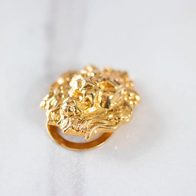 Vintage Lions Head Scarf Clip by Unsigned Beauty - Vintage Meet Modern Vintage Jewelry - Chicago, Illinois - #oldhollywoodglamour #vintagemeetmodern #designervintage #jewelrybox #antiquejewelry #vintagejewelry