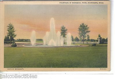 Fountain in Memorial Park-Muskegon,Michigan - Cakcollectibles