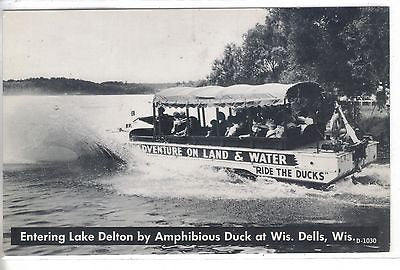 Entering Lake Delton by Amphibious Duck-Wisconsin Dells,Wisconsin - Cakcollectibles