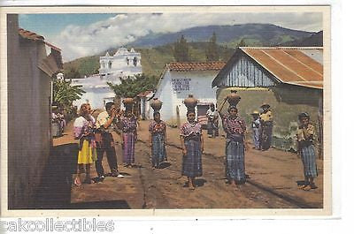 Guatemalam Women Carrying Water in Jugs on Thier Heads - Cakcollectibles