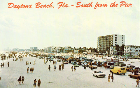 Daytona Beach,South from The Pier - Florida Retro Postcard