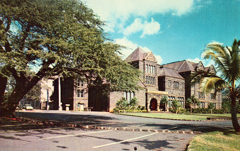 Bernice P. Bishop Museum - Honolulu,Hawaii front of vintage postcard