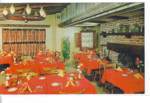 Interior View-Cock 'N Bull Restaurant at Peddler's Village-Lahska,Pa. - Cakcollectibles