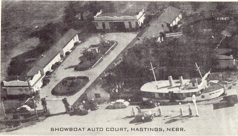 Aerial View of Showboat Auto Court - Hastings,Nebraska.Vintage postcard front