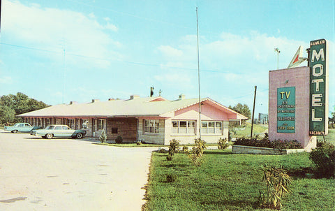 Front of vintage postcard.Fowler Motel - Fowler,Inidana.Buy vintage postcards here