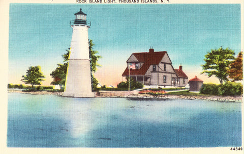 Linen postcard front Rock Island Light - Thousand Islands,New York