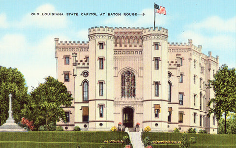 Old Louisiana State Capitol at Baton Rouge.Linen postcard front
