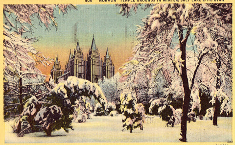 "Linen postcard ""Mormon"" Temple Grounds in Winter - Salt Lake City,Utah"