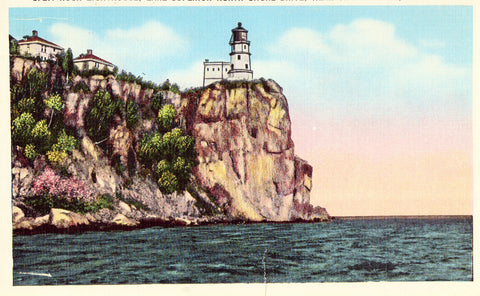 Linen postcard Split Rock Lighthouse near Two Harbors,Minnesota