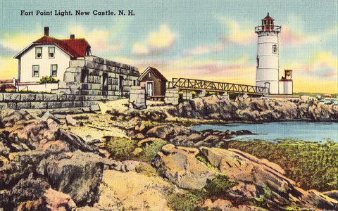 Linen postcard Fort Point Light - New Castle,New Hampshire