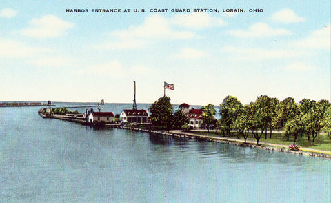 Linen postcard Harbor Entrance at U.S. Coast Guard Station - Lorain,Ohio