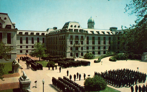 Vintage postcard Midshipmen at Bancroft Hall, U.S. Naval Academy - Annapolis,Maryland