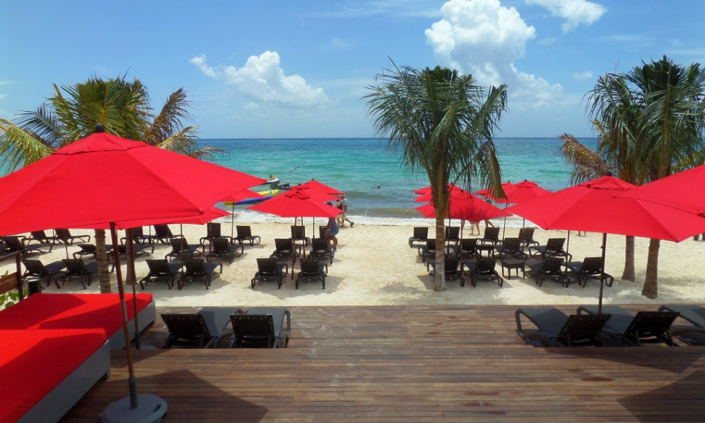 carolina beach club in playa del carmen