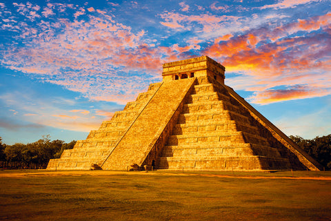 tour of chichen itza pyramids