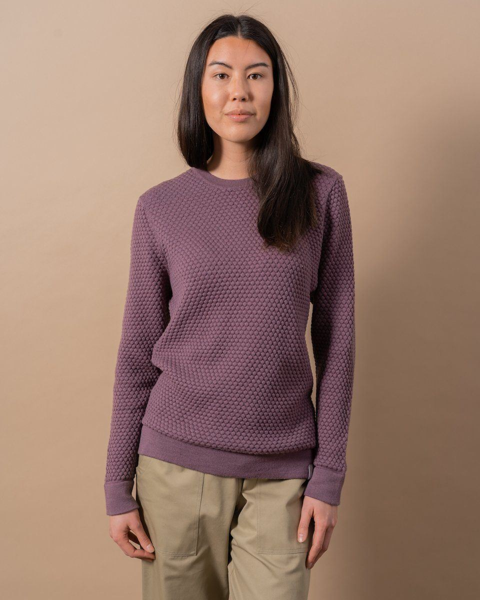 Gender Neutral The Merino Sweater in Plum Front Woman #colour_plum