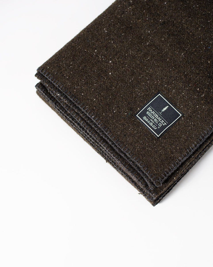 The Wool Utility Blanket in Olive Detail