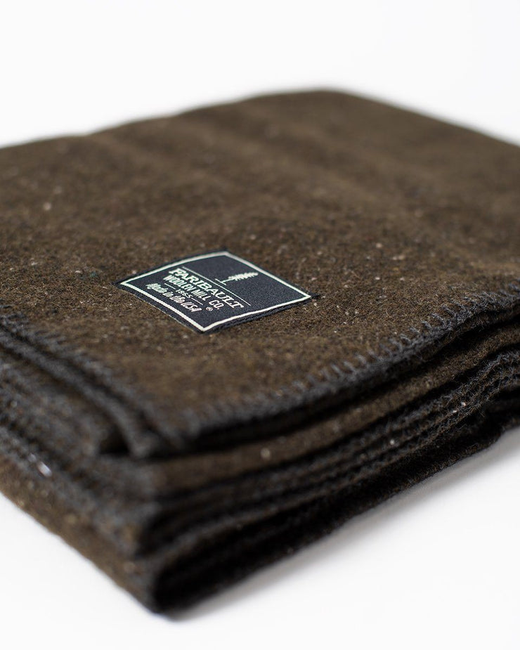 The Wool Utility Blanket in Olive Fabric Detail