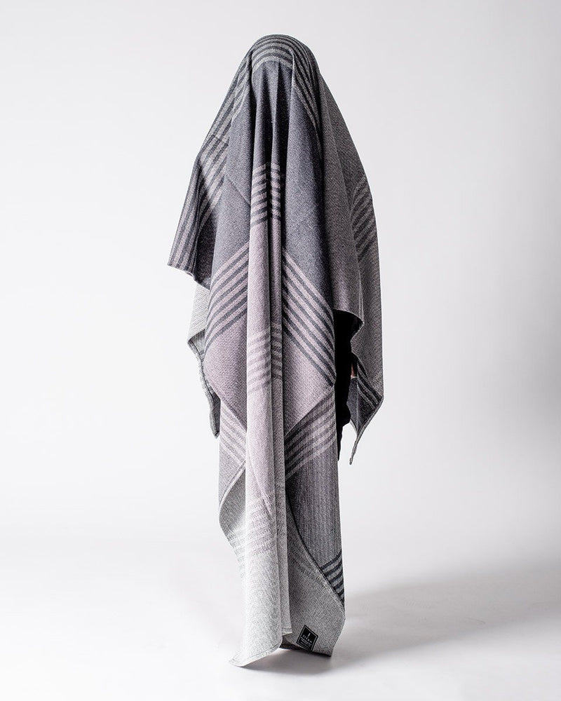 ecologyst - Sitka Faribault The Recycled Cotton Blanket Eco-Cotton Polyester Beach Throw - Charcoal