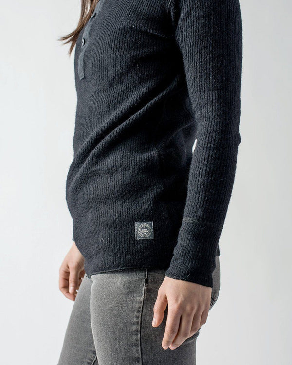 Sitka Women's Wool Sitka X Stanfield's Henley Black - Sitka X Stanfield's Henley - Side Detail