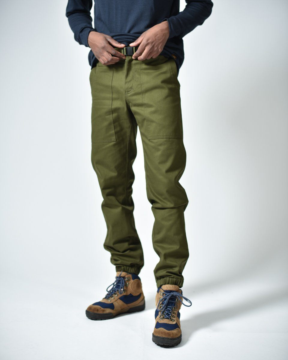 Mens The Hiking Pant in Green Front #colour_green