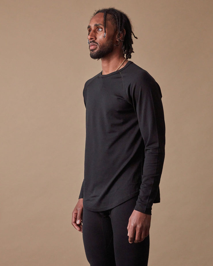 The 195 Merino Crew in Black - Side