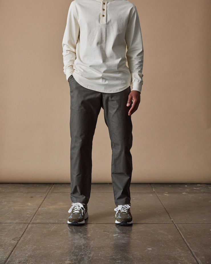 The Mens Work Pant in Ivy Front
