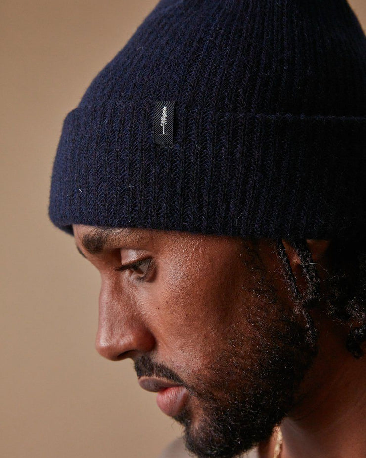 The Merino Cashmere Toque in Navy-Detail