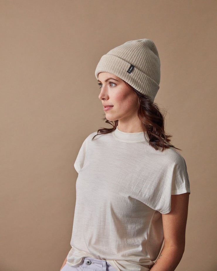 The Merino Cashmere Toque in Oat-Detail