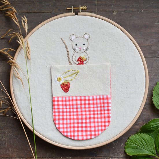 Woodland Mouse pocket - PDF digital embroidery pattern by Twig and Tale