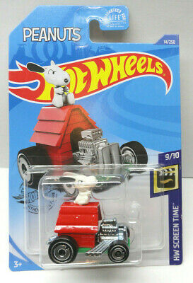 New 2020 Hot Wheels Snoopy Peanuts HW Screen Time Car