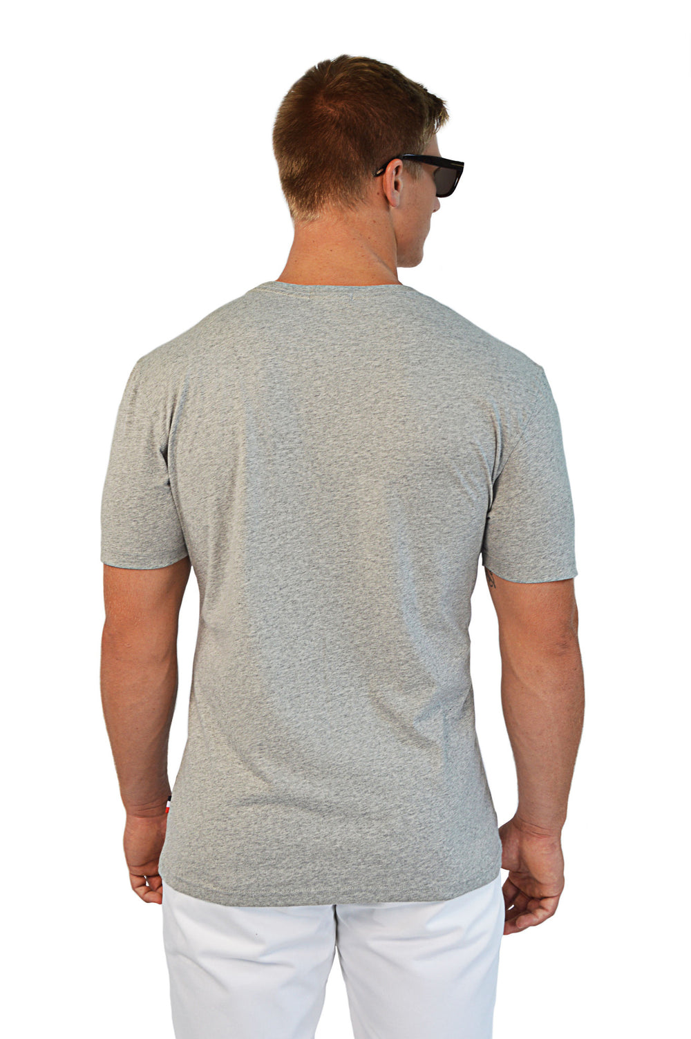 back view grey t-shirt