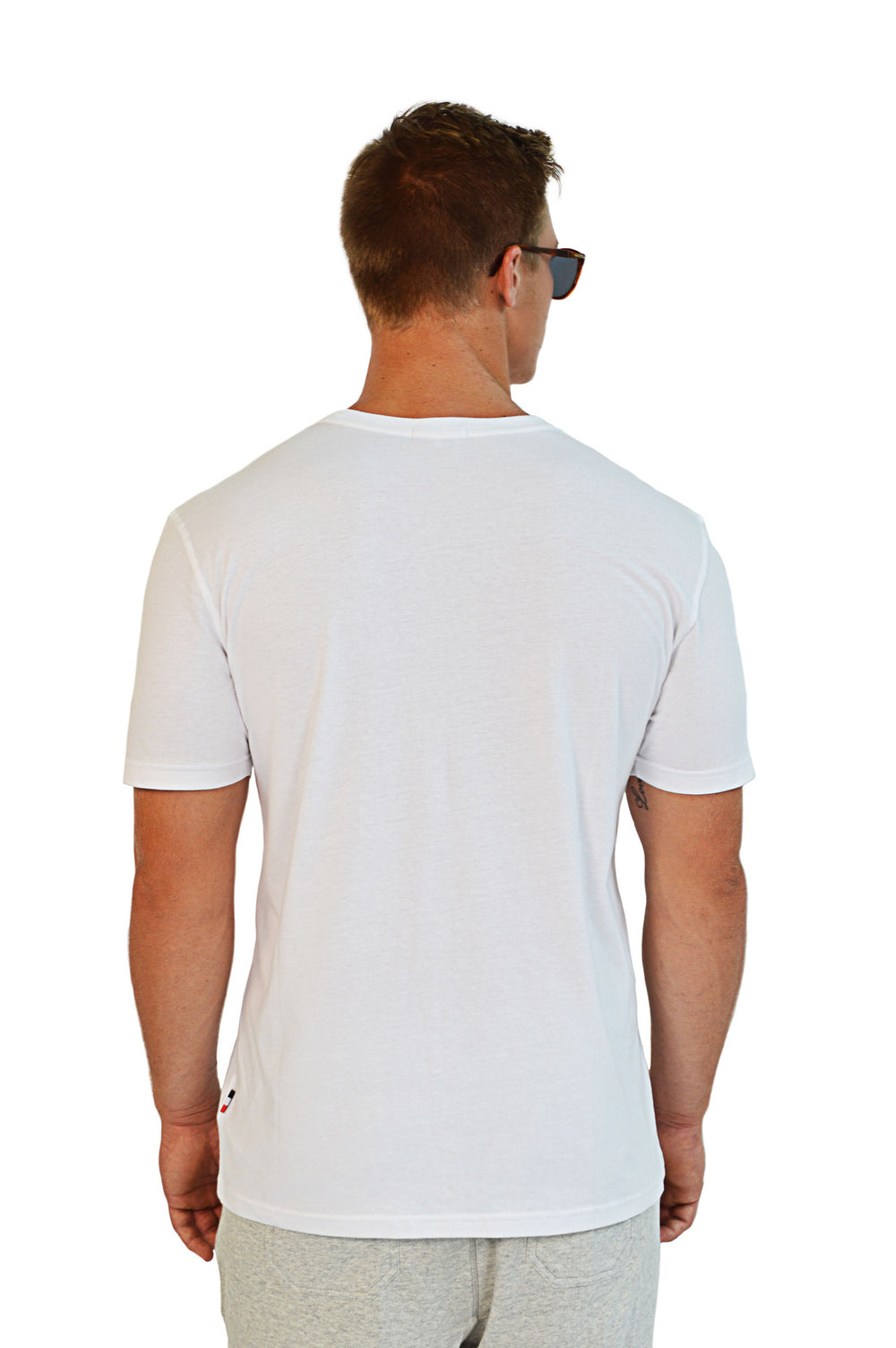 back view white t-shirt
