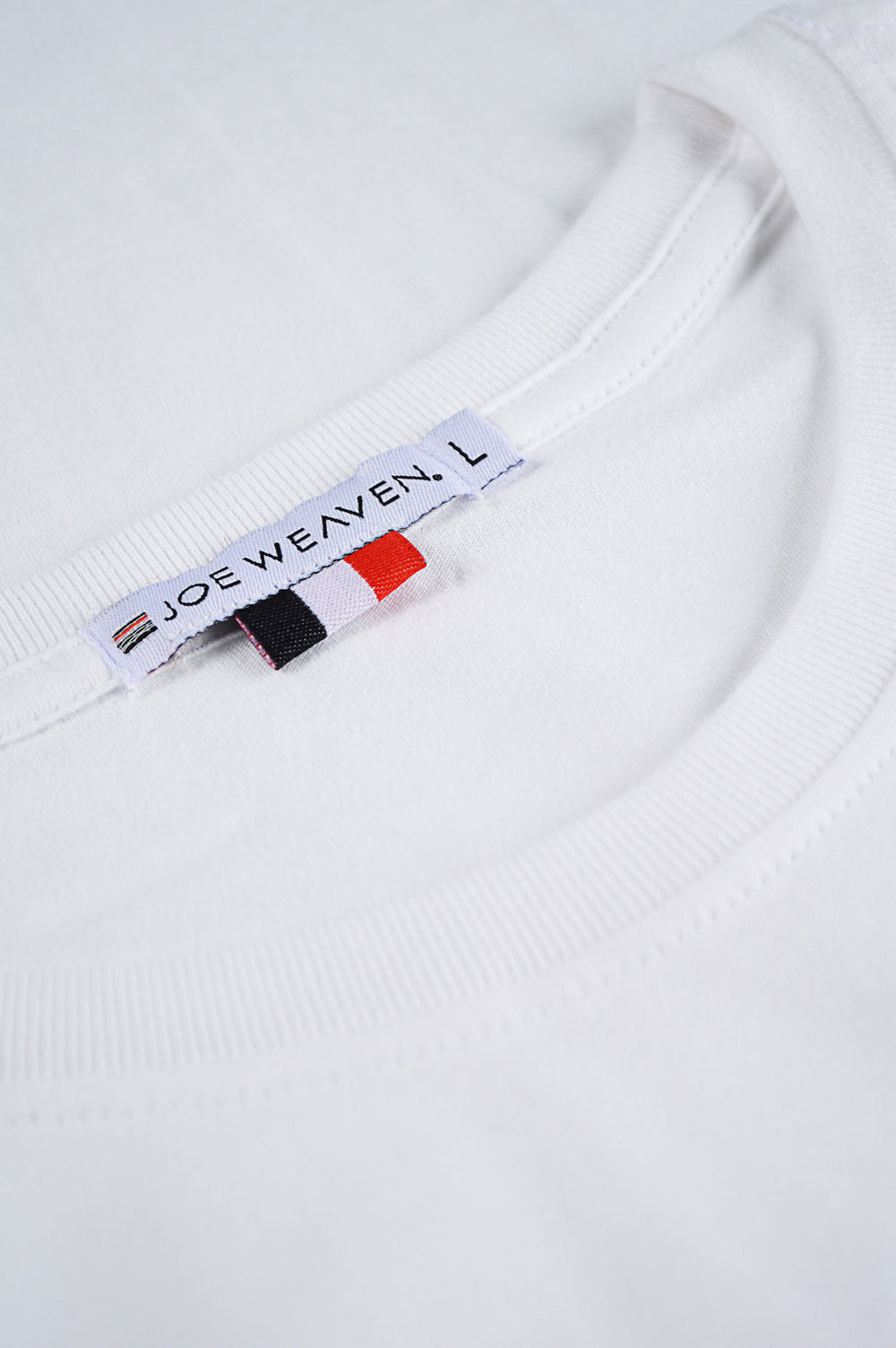 collar white t-shirt