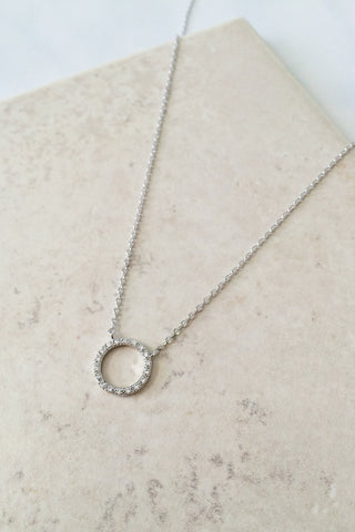 Crystal Circle Necklace – Silver