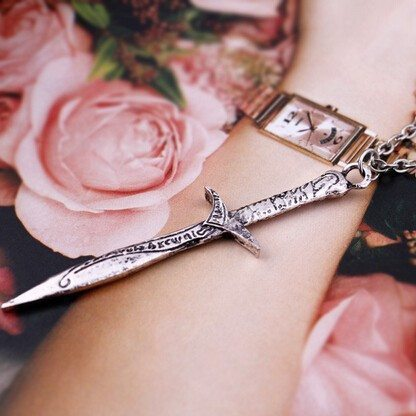 Necklace - The Hobbit Stab Sword Pendant Necklace