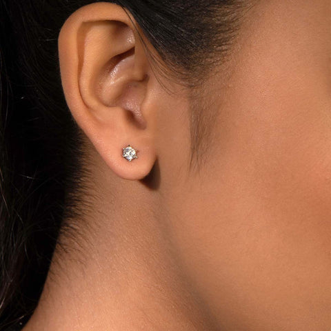 Classy Swarovski Zirconia Stud Earrings 92.5 Silver