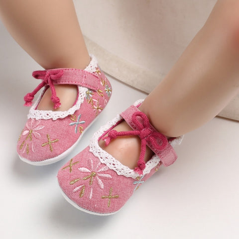 Lovely Floral Newborn Baby First Walkers Toddler Girl Crib Shoes Pram Soft Sole Prewalker Embroidery Baby Shoes 0-18M