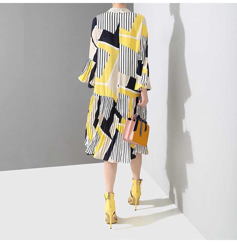 New Spring Autumn Stand Collar Long Flare Sleeve Pattern Striped Printed Pleated Loose Dress Women Fashion