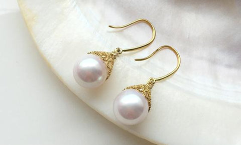 elegant paif of 10-11mm white south sea round pearl earring 18k