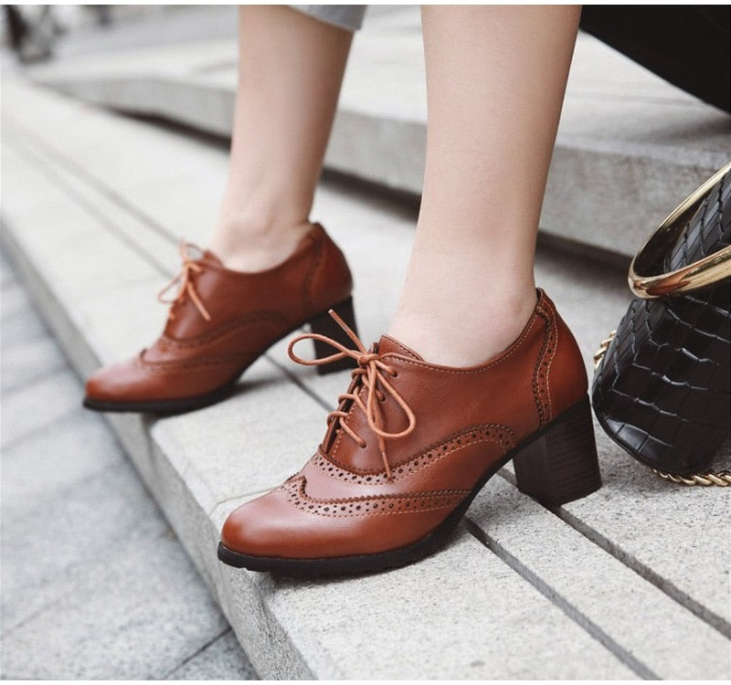 New Spring Women Shallow Brogue Shoes Vintage Chunky Heel Cut Out Oxford Shoes Lace Up Female Fashion Elegant Ladies Short Boot